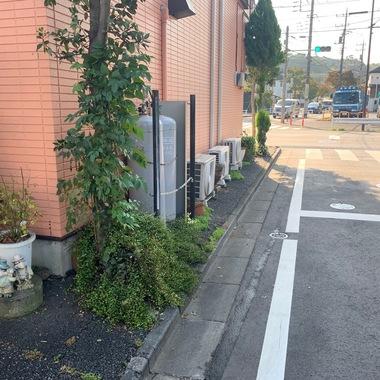 外壁塗装/東京都八王子市/オレンジ一色からツートンカラーへ変更の施工前写真(1枚目)