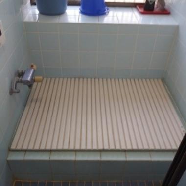 戸建の在来浴室(タイル壁)からユニットバスへの施工の施工前写真(1枚目)