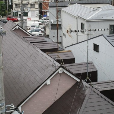 耐風で屋根(棟板金)が吹き飛んでしまったと緊急連絡を受けましたの施工前写真(1枚目)