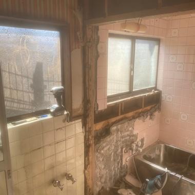 在来工法の浴室からユニットバスへの施工前写真(1枚目)