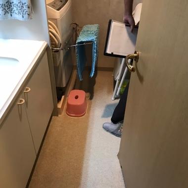 【洗面台】集合住宅の狭い洗面所をリノベーション(レイアウト変更有り)の施工前写真(1枚目)