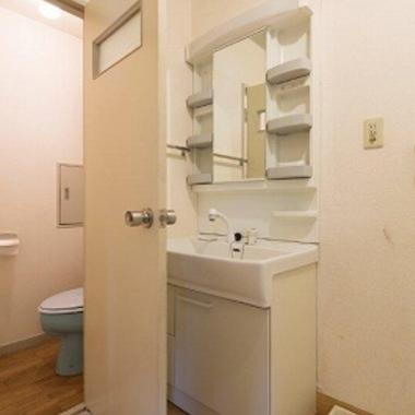 3DKを2LDKリノベーション前 トイレ 洗面所