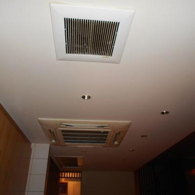 店舗改装工事前 空調