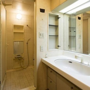マンションリノベーション前 洗面所 浴室