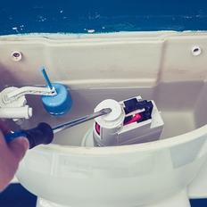 トイレ内部の部品交換