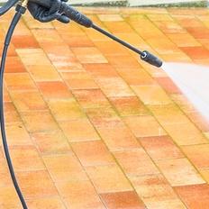 屋根・外壁の水高圧洗浄