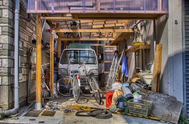 外構 エクステリア | 物置の取付・修理の費用相場とポイント