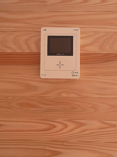 玄関 リフォーム   インターホン取付・修理の種類別 金額・費用相場とポイント