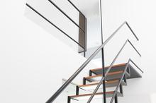 階段を補修・修理したときの費用相場は? リフォームのポイントも解説