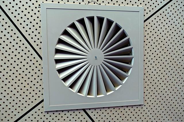 システムキッチン リフォーム | 換気扇(レンジフード)取付・修理の費用相場とポイント