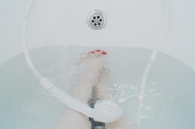 浴室乾燥機 交換   浴室暖房乾燥機の取付・修理の種類別 金額・費用相場とポイント
