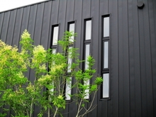 ガルバリウム鋼板の外壁が錆びにくいって本当? 特長やデメリットを解説