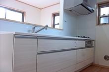 個性的なキッチンにリフォームならトクラス!システムキッチンの種類と特徴