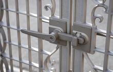 門扉はどうやって選ぶの?リフォーム未経験でもわかる、門扉の選び方