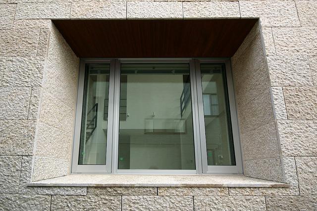 ガラス 交換 | 窓ガラスリフォームの注意点
