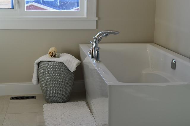 お風呂 リフォーム | ハウステック(Housetec)の集合住宅対応のユニットバス(お風呂)、「LL」の特徴