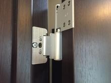 ドアの蝶番を交換する場合の費用相場は? 修理にかかる費用も解説