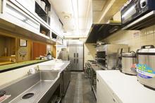 飲食店の厨房で一番最適な床は?