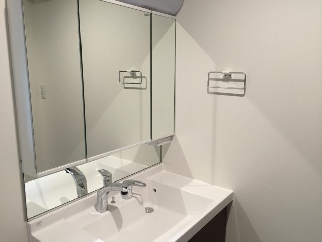 トイレ リフォーム | 洗面所から異臭がするときの原因と対策