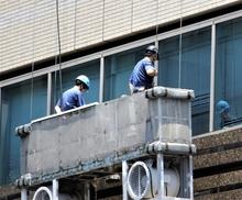 大規模修繕で無足場工法を行うと、どんなメリットやデメリットがあるの?