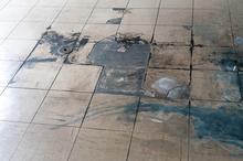 床のカビはなぜ発生するの?発生したときの補修方法