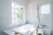 浴室のタイル張り替えをタイプ別にご紹介! タイルの選び方と張り替えにかかる費用も解説