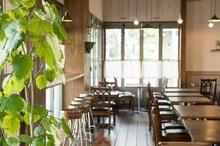 飲食店の床にはどんな床材がいいの? 具体例を挙げて解説します!