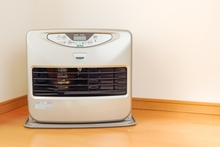 床暖房とストーブはどっちがいい?それぞれのメリットと床暖ストーブについて