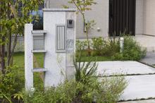 自宅の門柱はどんなものを設置すればいいの? 選ぶときのポイントを紹介します
