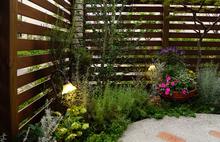 庭にラティスを設置する際のポイントとは? 選び方のポイントと費用相場も解説します