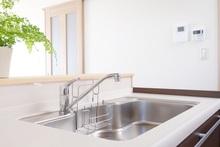 キッチンのシンクは交換できる! 費用や選び方まで詳しく解説します