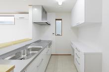 キッチンにおすすめの照明は?選ぶときのポイントや注意点をご紹介!