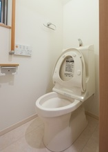 トイレをバリアフリー(介護トイレ)に対応に! 工事のポイントと費用も解説