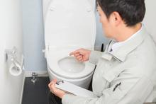 トイレの交換時期を状況別にお教えします! 費用相場やメーカーも解説