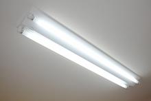 LEDの蛍光灯にすると工事が必要になる?工事費用と注意点も解説