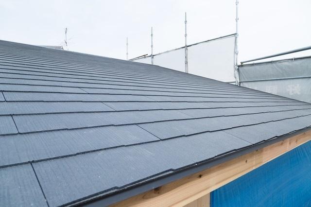 屋根 トタン