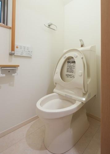 トイレ ひび割れ 補修